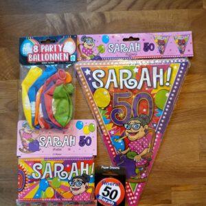 Feestpakket Sarah Feestpakket, Sarah, bestaande uit, Vlaggenlijn Sarah Ballonnen Sarah Afzetlint Sarah en een button Sarah (Producten kunnen iets afwijken van de foto)